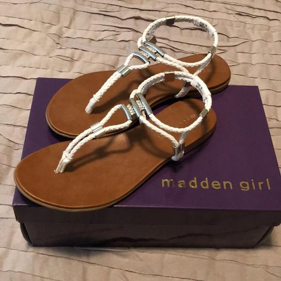 cae49719d Madden Girl Flexii Sandals